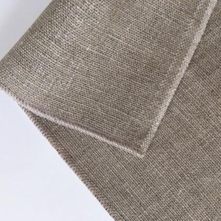 Toile de couche avec bordure surjetée